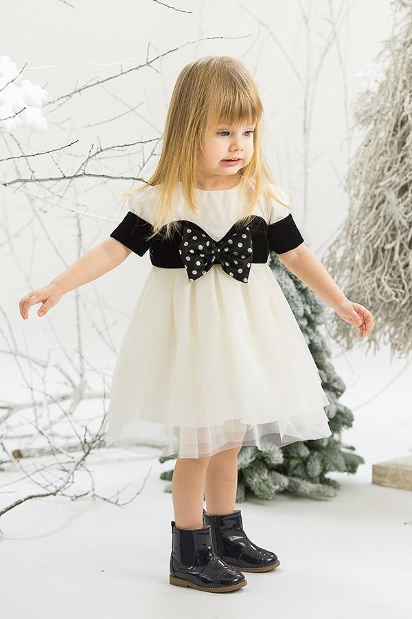 elegant girl dresses photo - 1