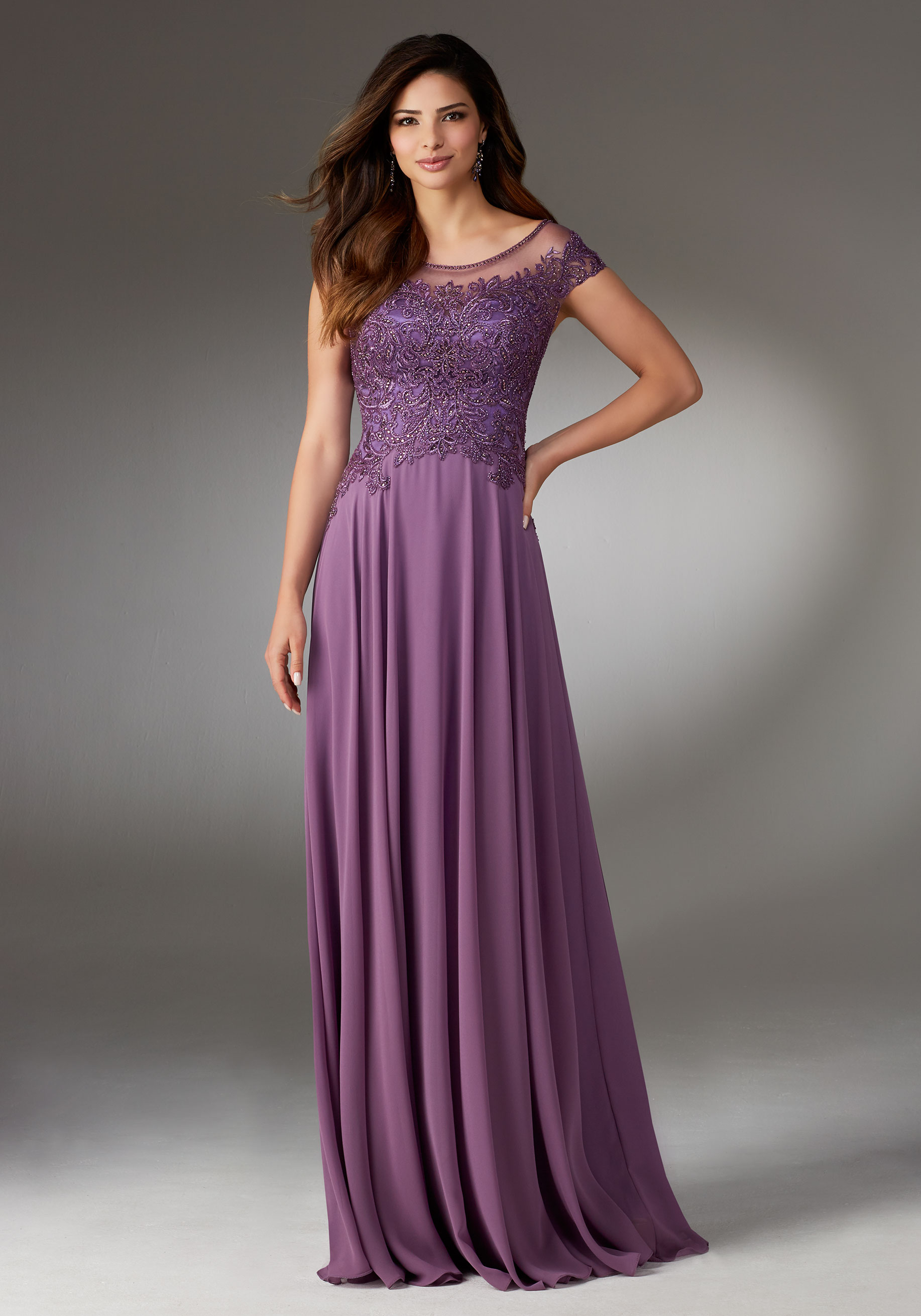 evening dresses and gowns photo - 1