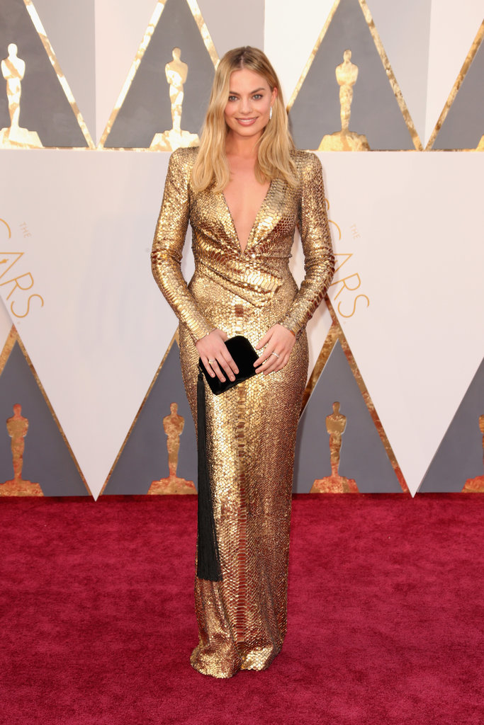 gold dress red carpet photo - 1