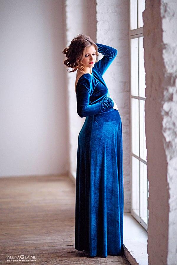 pregnant evening dress photo - 1