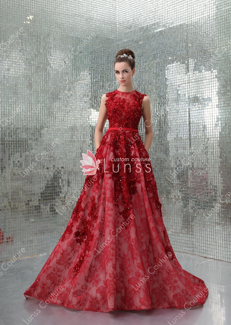 red evening dress photo - 1