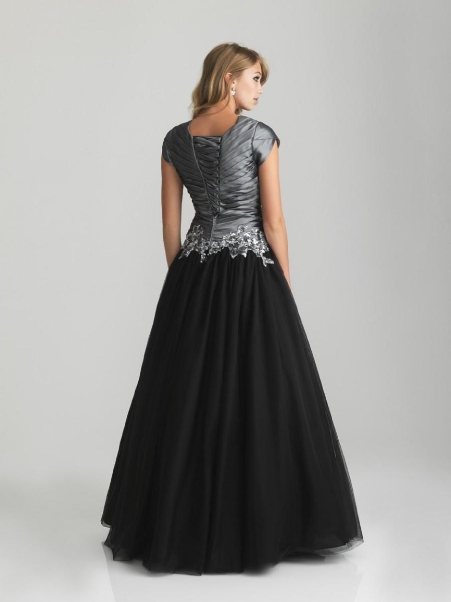short sleeve evening dresses photo - 1