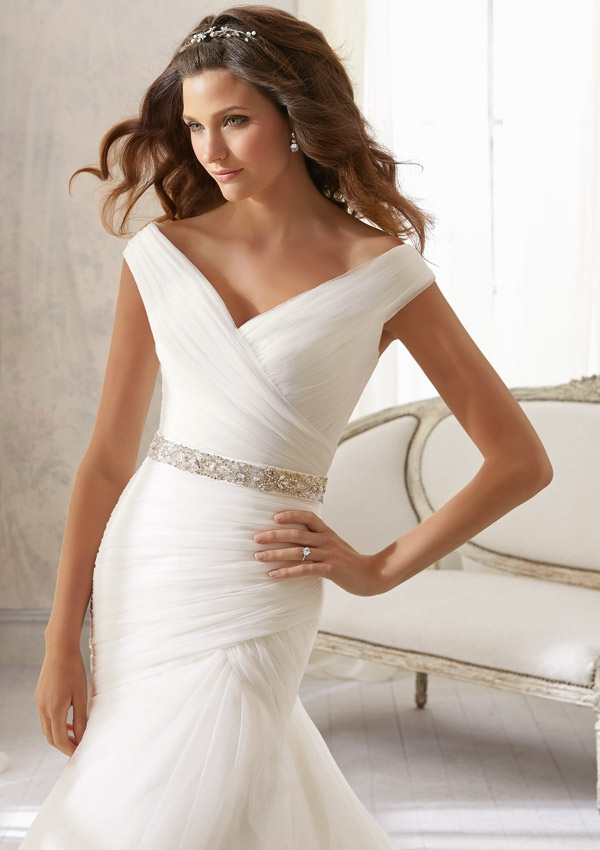 wedding dresses simple but elegant photo - 1