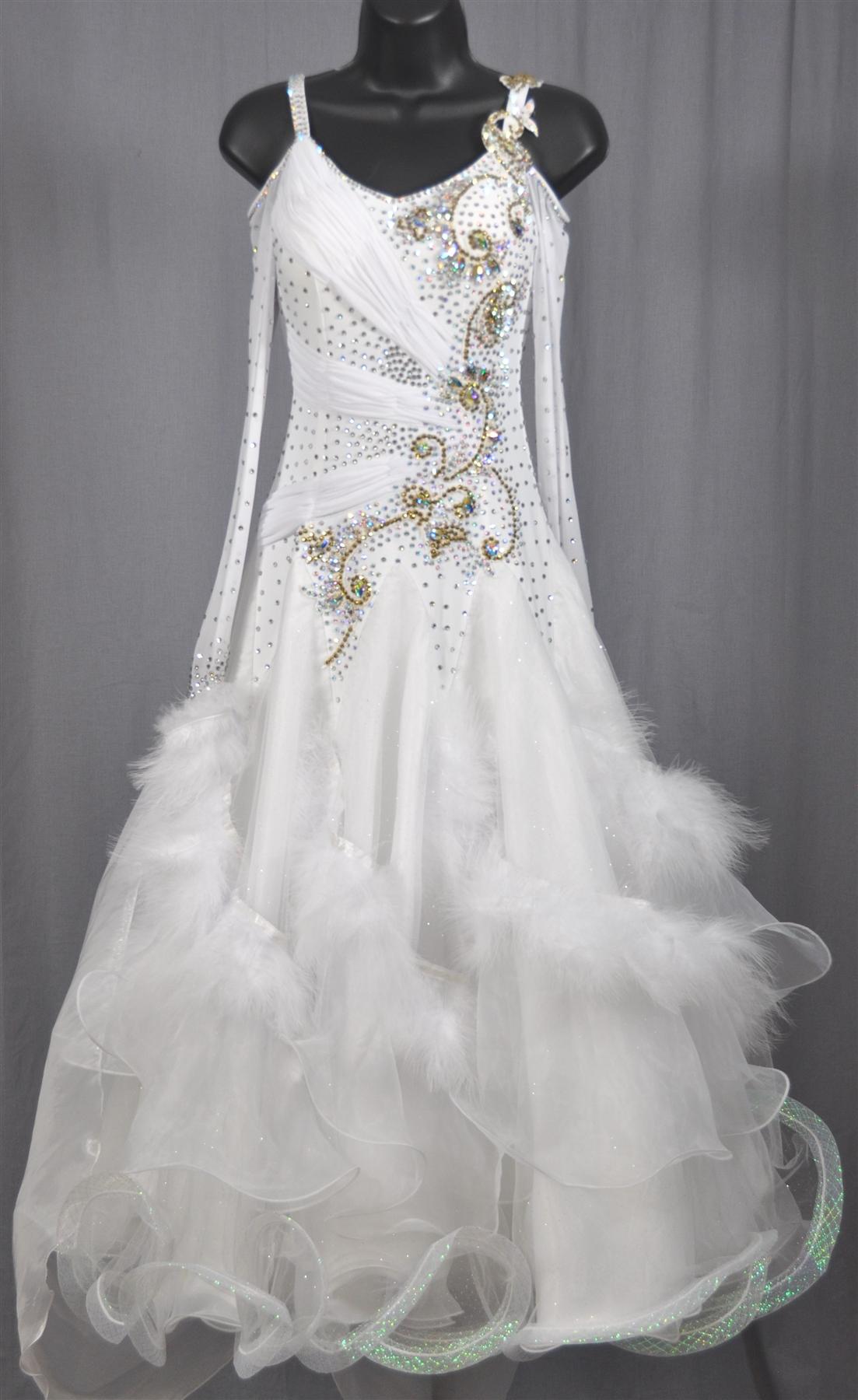 all white elegant dresses photo - 1