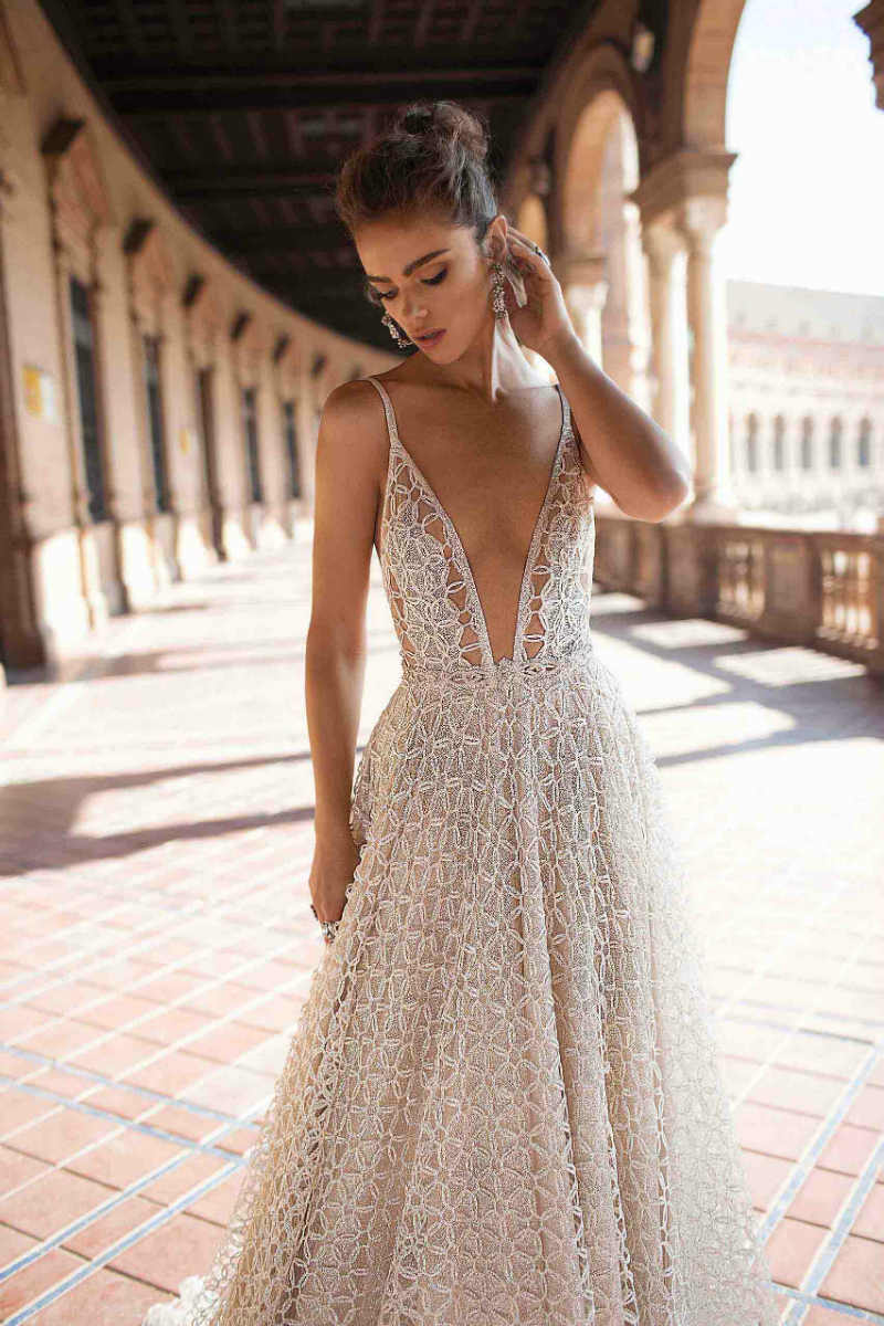 elegant bridal dresses photo - 1
