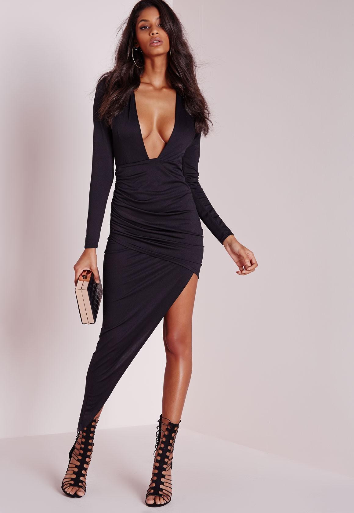 elegant woman dresses photo - 1